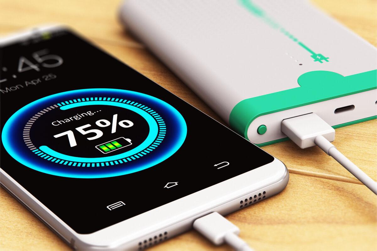 モバイルバッテリーをフル充電するにはどの程度時間がかかる?
